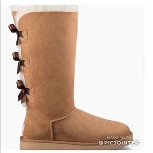 NWT | Ugg Bailey Bow Boots